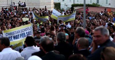"""Cristiani in piazza a Nazareth: """"Parità per le scuole cristiane"""""""