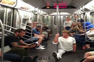 Logan Paul, spaccate da urlo per le strade di New York