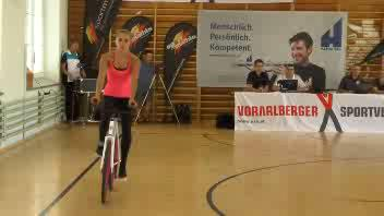 Acrobazie in bici ai limiti del possibile
