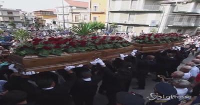 Palagonia, i funerali dei coniugi uccisi