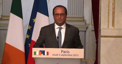 Hollande: sui migranti proponiamo un meccanismo permanente