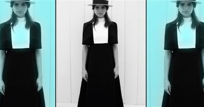 Emily Ratajkowski bella e modesta: