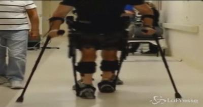 Uomo paralizzato torna a camminare: il miracolo grazie alla ...