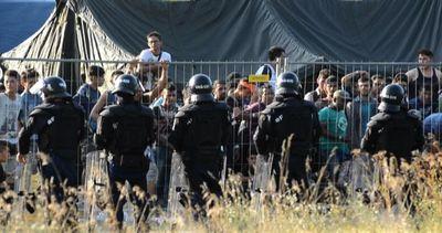 L'Ungheria chiude le frontiere con la Serbia