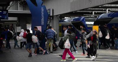 I primi treni dei migranti arrivano a Monaco di Baviera