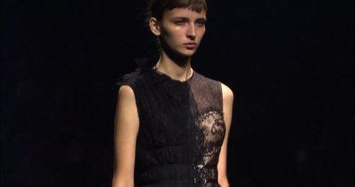 La collezione di Lanvin a Parigi è un'ode alla femminilità