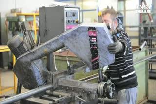 Lavoro: Csc, salari reali crescono piu' di produttivita'