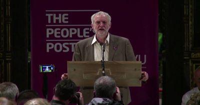 Corbyn ai lavoratori delle Poste Gb: levatevi la camicia di ...