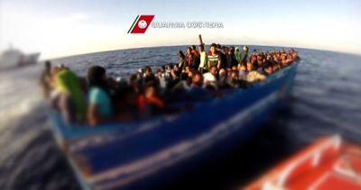 Guardia Costiera soccorre 1.830 migranti a largo della Libia