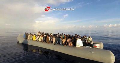 Video-choc in centro accoglienza migranti: letti pieni di ...