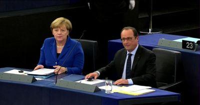 Merkel e Hollande chiedono l'Ue unita, basta Trattato di ...