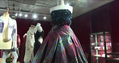 All'asta 120 capi Dior della collezione privata di Alexis ...