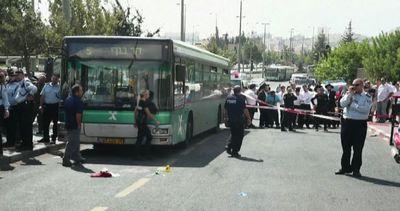 Tensione a Gerusalemme, israeliano accoltellato per strada