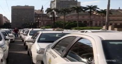 Brasile, da San Paolo nuova categoria taxi che lavorano ...