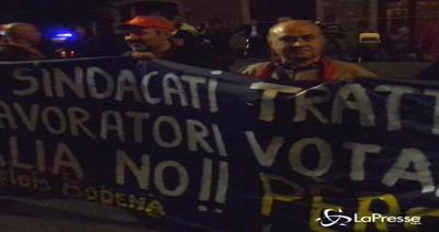 Modena,contestazione a Marchionne, Elkann e Renzi a casa ...