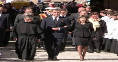 Re Filippo e la moglie Letizia a lutto per i funerali del ...