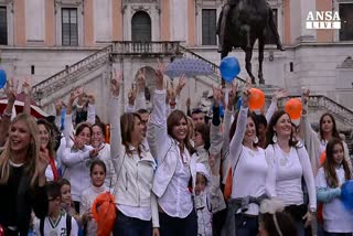 Flashmob dei gemelli a Roma