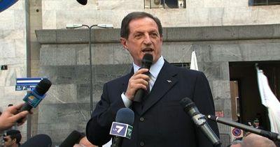 Chi è Mario Mantovani, arrestato per tangenti in sanità ...