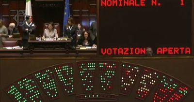 La Camera approva nuova legge su cittadinanza, sì allo ius ...
