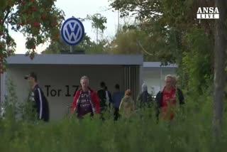 Volkswagen taglia 1 mld investimenti all'anno
