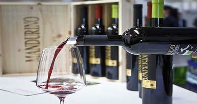 Un bicchiere di vino rosso a cena è un alleato per chi ha ...