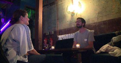 90 secondi di silenzio: il nuovo trend del dating a Londra