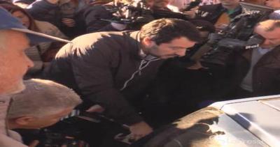 Cinisello Balsamo, Salvini benzinaio: sconto per un giorno