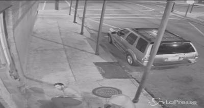 Arrestato tentato omicida a New Orleans: le immagini choc