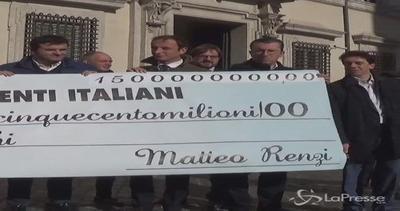 Presidio Lega con mega assegno a Palazzo Chigi contro Dl ...