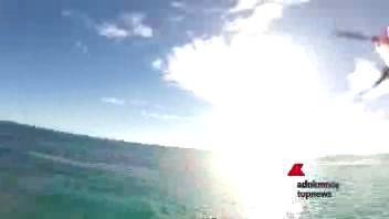 L'aeroplaninoche fa snorkeling