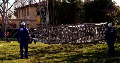 Terna toglie i tralicci dal parco della Pellerina a Torino