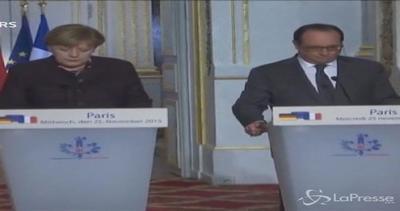 """Terrorismo, confronto Hollande-Merkel: """"Germania faccia di ..."""