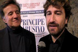 l principe abusivo va a teatro – Parlano Siani e De Sica