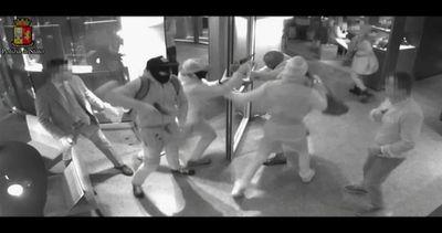 Rapina in orologeria a Milano: un anno dopo presa la banda