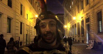 """Parlano i centurioni romani """"disoccupati"""": continuiamo a ..."""