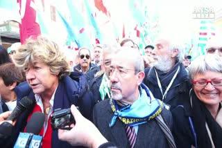 """P.A, sindacati in piazza: """"Siamo oltre 30 mila'"""
