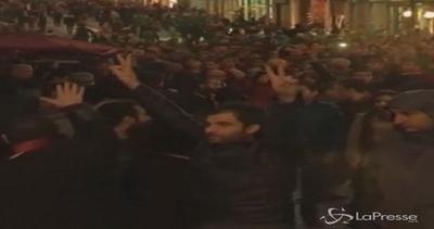 Turchia, scontri con la polizia a Istanbul e Diyarbakir