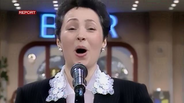 Licenziata perche canta in tv ma il giudice la reintegra