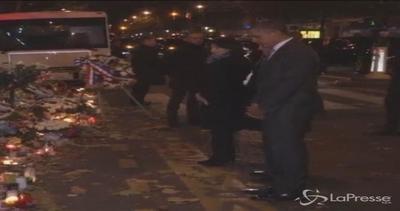 Parigi: Obama rende omaggio a vittime Bataclan