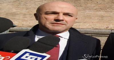 Vaticano, Nuzzi: Non accetterei grazia, non ho commesso ...