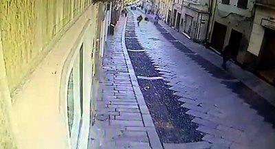 Sassari, lo scippo in corso Vittorio Emanuele