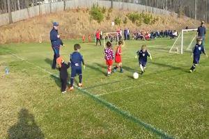 L'amore fraterno è più forte del calcio: il video che commuove il Web