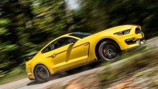 Un emozionante viaggio a bordo delle Ford Performace Car lungo le strade più sensazionali d'Europa