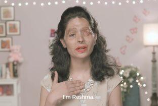 Reshma, sfregiata con l'acido da suo cognato, spiega alle donne come truccarsi