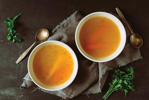 Brodo vegetale: la ricetta per prepararlo
