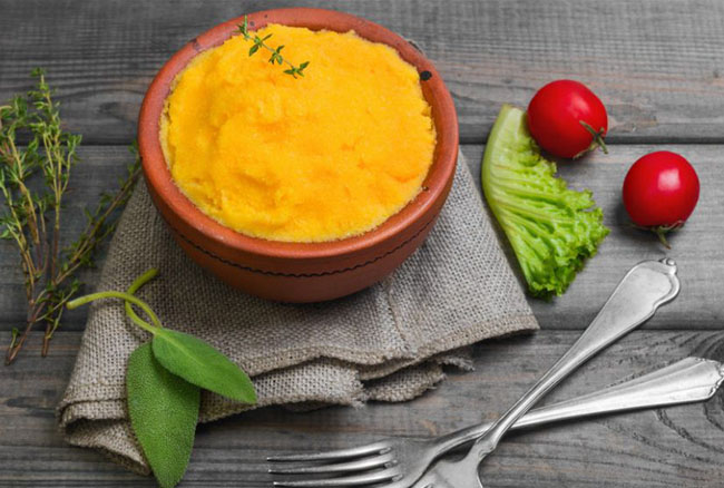 La video ricetta della polenta con carote e verza